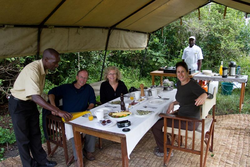 bush-breakfast-in-uganda