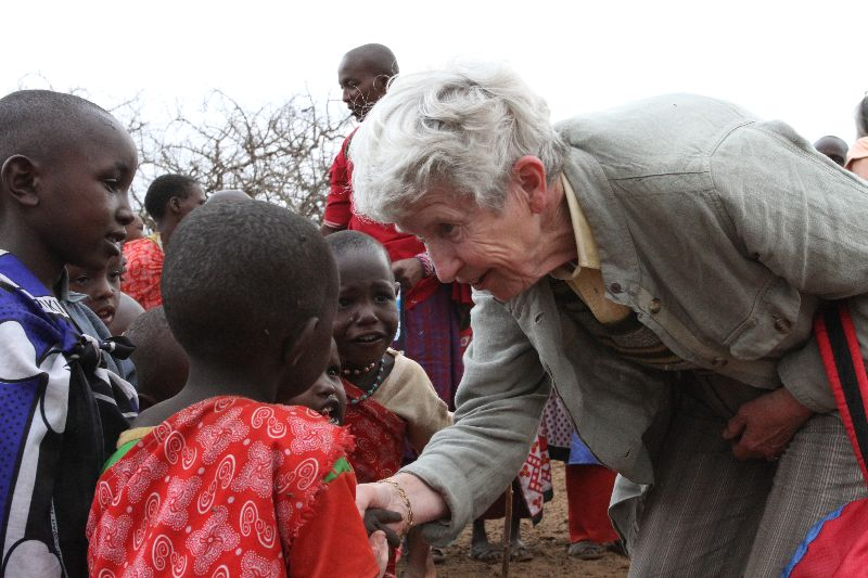 Sue meets the Maasai kids