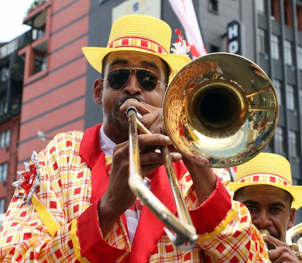 yellow-red-trumpeter-1